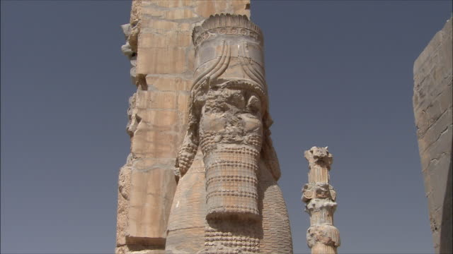 ms la zi old ruin at nation's gate, persepolis, iran - old ruin stock videos & royalty-free footage