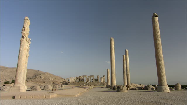 ws old ruin of ancient city, persepolis, iran - old ruin stock videos & royalty-free footage