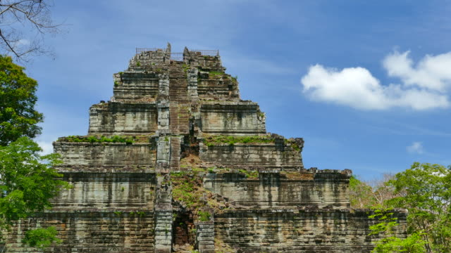 old ruin pyramid of koh ker temple in cambodia - circa 13th century stock videos & royalty-free footage