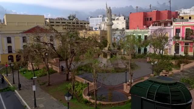 vídeos de stock, filmes e b-roll de old san juan puerto rico devastation drone point of view raw footage - porto riquenho