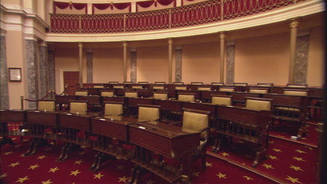 stockvideo's en b-roll-footage met ws pan old senate chamber interior / washington dc, usa  - senaat verenigde staten