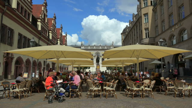 old town hall at naschmarkt with alte handelsboerse stock exchange, leipzig, saxony, germany - pavement cafe stock videos & royalty-free footage