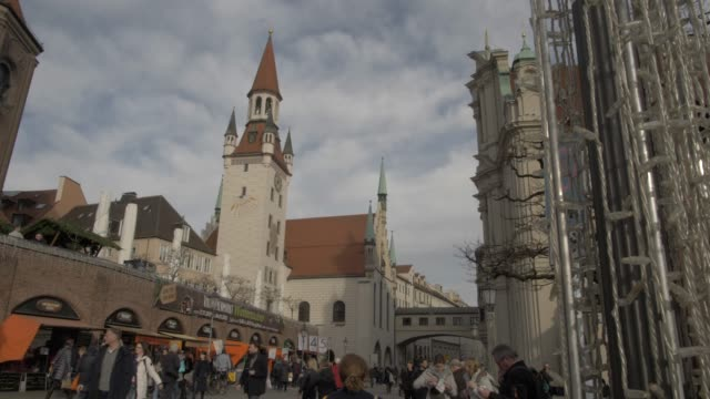 old town hall from victuals market, munich, bavaria, germany, europe - rathaus stock videos & royalty-free footage