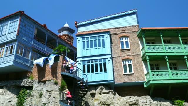 old town in tibilisi city - besichtigung stock-videos und b-roll-filmmaterial