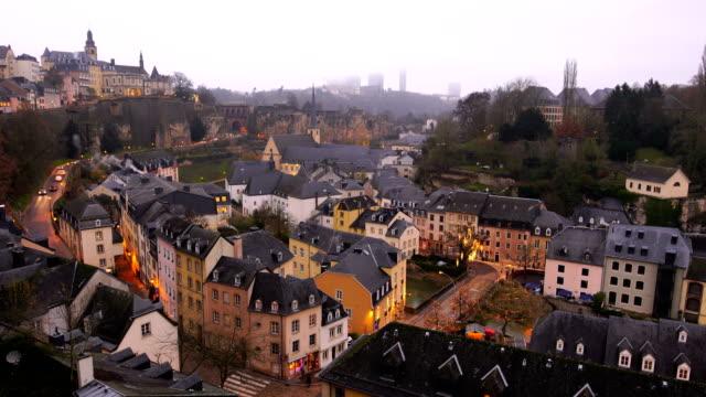 vidéos et rushes de vieille ville de luxembourg-ville du haut de la page vue au luxembourg - grand duché du luxembourg