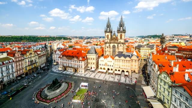 旧市街広場、プラハ,チェコ共和国 - プラハ旧市庁舎点の映像素材/bロール