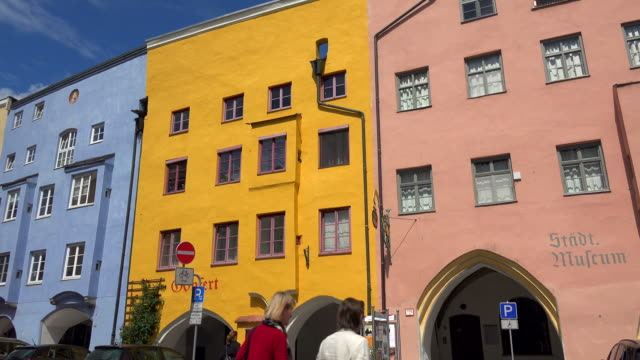 stockvideo's en b-roll-footage met old town street in wasserburg am inn, upper bavaria, bavaria, germany - oude stad