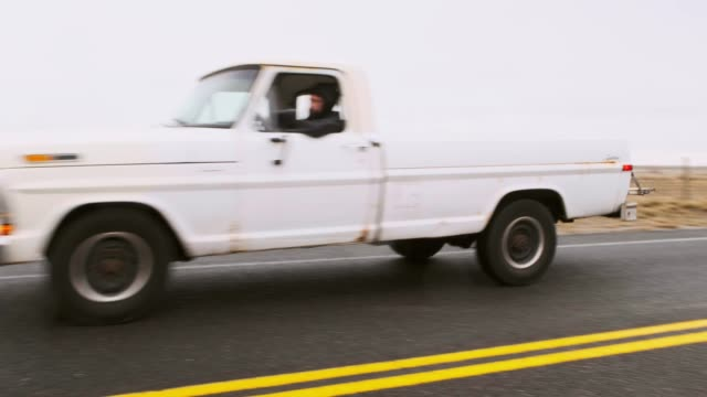 old truck on an empty road - pick up truck stock videos & royalty-free footage