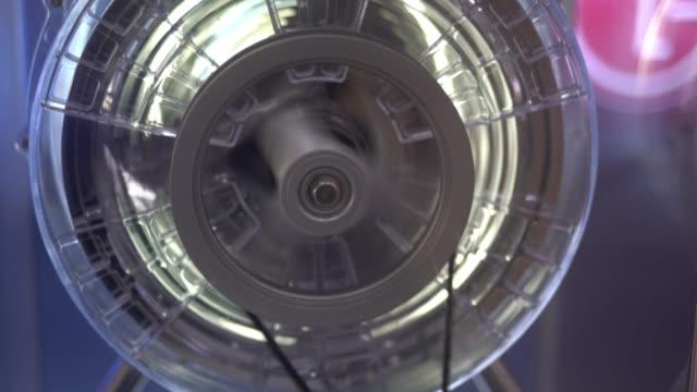 alte vintage deckenventilator - propeller stock-videos und b-roll-filmmaterial