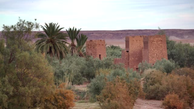 old walls of ait ben haddou - tradition stock videos & royalty-free footage