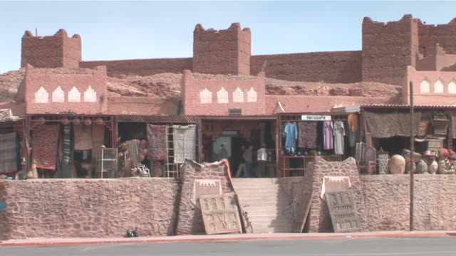 ms pan old walls of town / ouarzazate, sous-massa-draa, morocco - old town stock videos & royalty-free footage