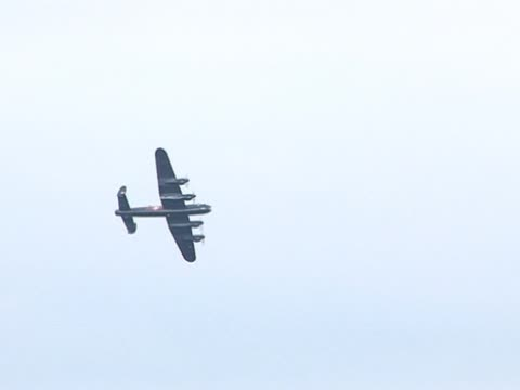 old war plane / military aircraft - lancaster bomber - world war i stock videos and b-roll footage
