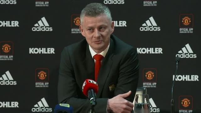 ole gunnar solksjaer saying he is honoured and priviledged to become permanent manager of manchester united - ehre stock-videos und b-roll-filmmaterial