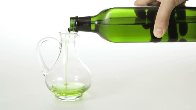 olive olivenöl - klammer stock-videos und b-roll-filmmaterial