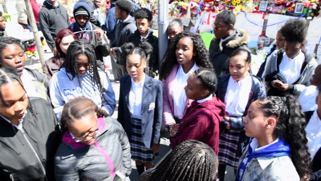 olive park memorial at the intersection of yonge street and finch avenue close to where the tragedy started students of crawford adventist academy... - toronto stock-videos und b-roll-filmmaterial