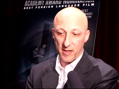 vídeos de stock, filmes e b-roll de oliver hirschbiegel director of the german film 'downfall' at the directors of oscar nominated foreign language films at academy of motion picture... - academy of motion picture arts and sciences