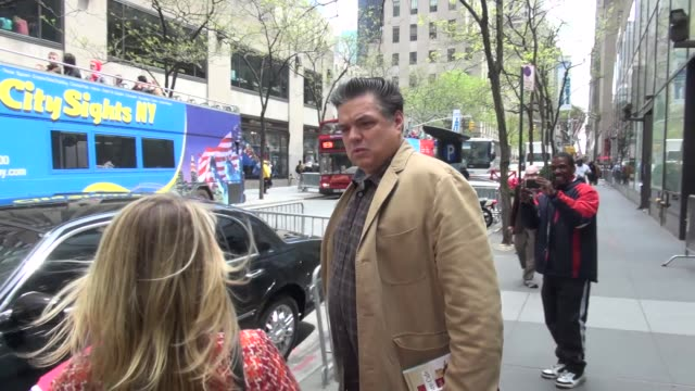 oliver platt at nbc studios oliver platt at nbc studios on may 06 2013 in new york new york - oliver platt stock videos & royalty-free footage