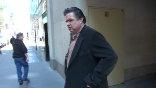 oliver platt at the 'today' show studio oliver platt at the 'today' show studio on april 05 2012 in new york new york - oliver platt stock videos & royalty-free footage