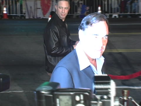 stockvideo's en b-roll-footage met oliver stone at the alexander premiere arrivals at graumans chinese theater in hollywood california - oliver stone