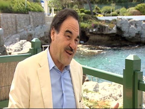 stockvideo's en b-roll-footage met oliver stone on the historical context of finance and how it is reflected in the two movies and how the 2nd movie is about gordon at the wall street... - oliver stone