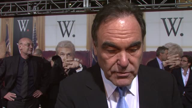 stockvideo's en b-roll-footage met oliver stone talks about why he wanted to do this project he says love him or hate him bush's life is an interesting story he talks about getting... - oliver stone