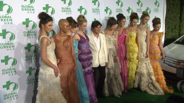 vídeos y material grabado en eventos de stock de oliver tolentino with models at global green usa's 9th annual preoscar party on 2/21/12 in hollywood ca - oscar party