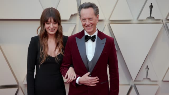 vídeos de stock e filmes b-roll de olivia grant and richard e. grant at the 91st academy awards - arrivals at dolby theatre on february 24, 2019 in hollywood, california. - richard e. grant