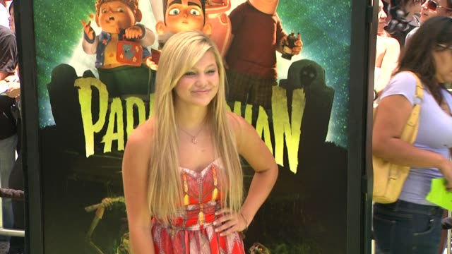 """olivia holt at """"paranorman"""" los angeles premiere presented by focus features at amc citywalk stadium 19 at universal studios hollywood on august 05,... - universal city video stock e b–roll"""