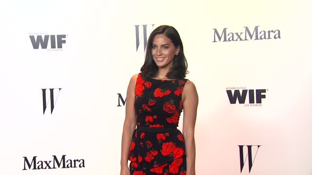 olivia munn at max mara and w magazine cocktail party to honor the women in film max mara face of the future awards recipient hailee steinfeld on... - olivia munn stock videos and b-roll footage