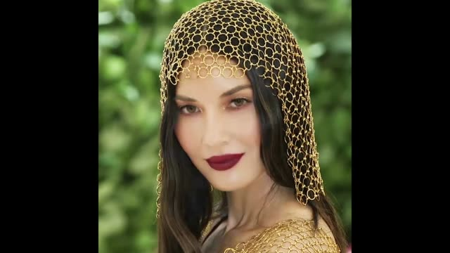 olivia munn at the heavenly bodies fashion the catholic imagination costume institute gala - cattolicesimo video stock e b–roll