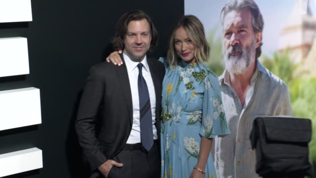 "vídeos y material grabado en eventos de stock de olivia wilde and jason sudeikis at the ""life itself"" los angeles premiere at arclight cinemas cinerama dome on september 13, 2018 in hollywood,... - cinerama dome hollywood"
