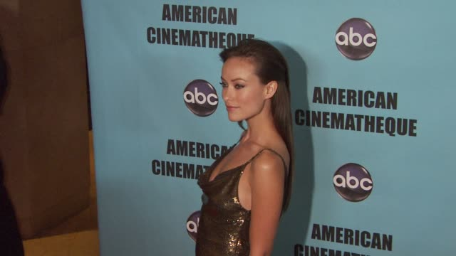 vídeos y material grabado en eventos de stock de olivia wilde at the american cinematheque's 2010 award show honoring matt damon at beverly hills ca - american cinematheque