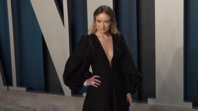 olivia wilde at vanity fair oscar party at wallis annenberg center for the performing arts on february 09 2020 in beverly hills california - vanity fair video stock e b–roll