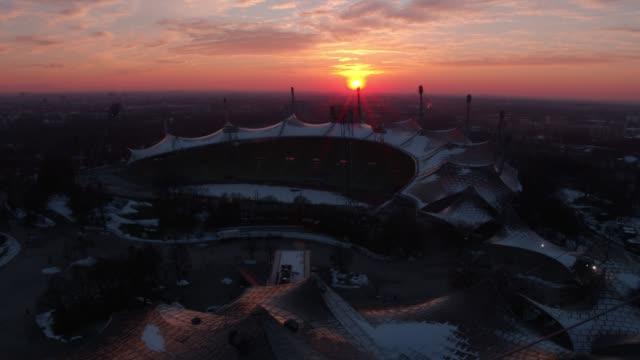 olympiapark, olympiastadion, münchen, winter - オリンピックスタジアム点の映像素材/bロール