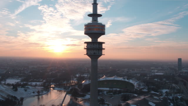 olympiapark, olympiastadion, münchen, winter - ミュンヘン点の映像素材/bロール