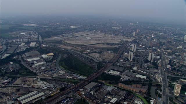 stockvideo's en b-roll-footage met olympisch bouwplaats - luchtfoto - engeland, greater london, greenwich, verenigd koninkrijk - greater london