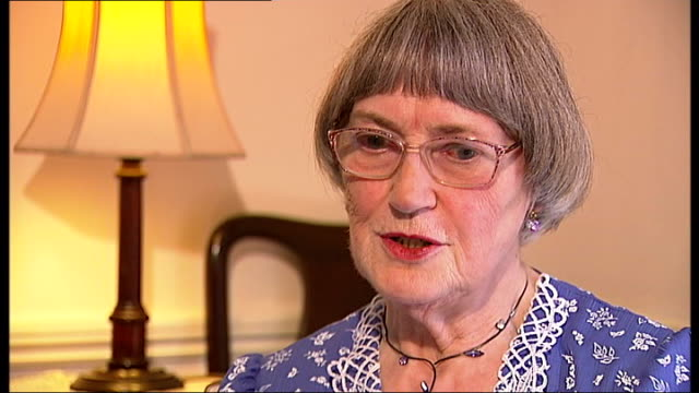 interview with former olympians dorothy parlett and dorothy tyler dorothy parlett interview sot on how her mother made her shorts for the olympic... - summer olympic games stock videos and b-roll footage