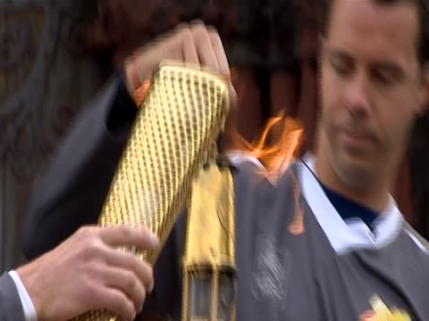 nnbj271l - olympic torch stock videos & royalty-free footage