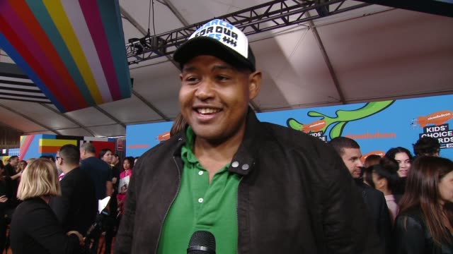 interview omar benson miller on the excitement surrounding the kids' choice awards at the nickelodeon's 2018 kids' choice awards at the forum on... - 31st annual nickelodeon kids' choice awards stock videos and b-roll footage