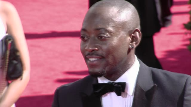 omar epps at the 61st annual primetime emmy awards arrivals part 3 at los angeles ca - annual primetime emmy awards stock-videos und b-roll-filmmaterial