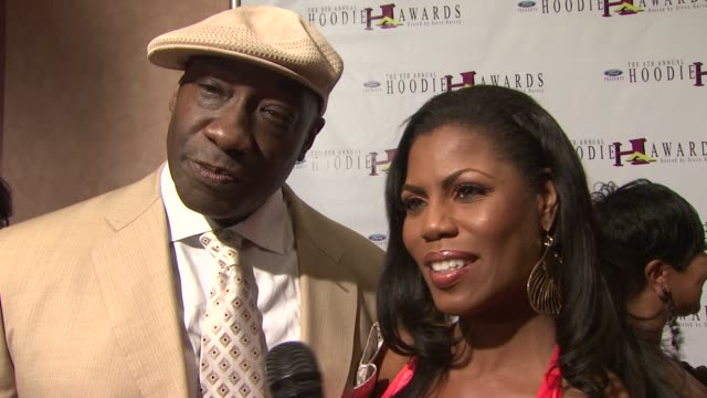 omarosa manigault stallworth michael clarke duncan on presenting at the hoodie awards why they love being part of the hoodie awards and there... - omarosa manigault newman stock videos & royalty-free footage