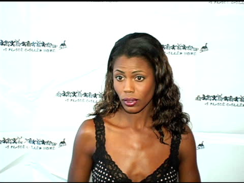 omarosa manigaultstallworth at the girlz in the hood celebratation of women of achievement awards luncheon at the beverly hilton in beverly hills... - omarosa manigault newman stock videos & royalty-free footage