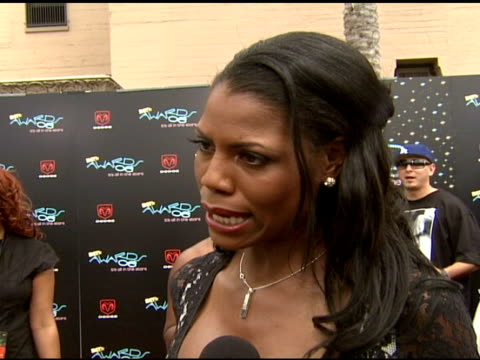 omarosa manigault-stallworth on the show, on the bet awards at the 2006 bet awards arrivals at the shrine auditorium in los angeles, california on... - omarosa manigault stallworth stock-videos und b-roll-filmmaterial