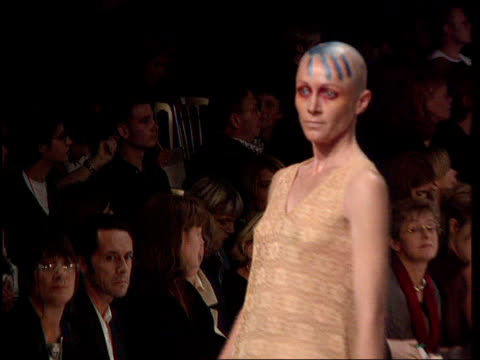"""omega"" withdraws ads from vogue; **** for vogue magazine see c01059605 england: london: itn seq models along catwalk in fashion show itn tx 20.10.95 - fashion show stock videos & royalty-free footage"