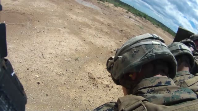 on 8 july 2014 marines attached to special purpose marine airground task force crisis response from 3rd battalion 8th marine regiment and... - französische armee stock-videos und b-roll-filmmaterial