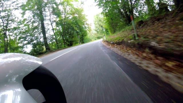pov:ザルツブルガーランドのオートバイで - ベルヒテスガーデナーランド点の映像素材/bロール