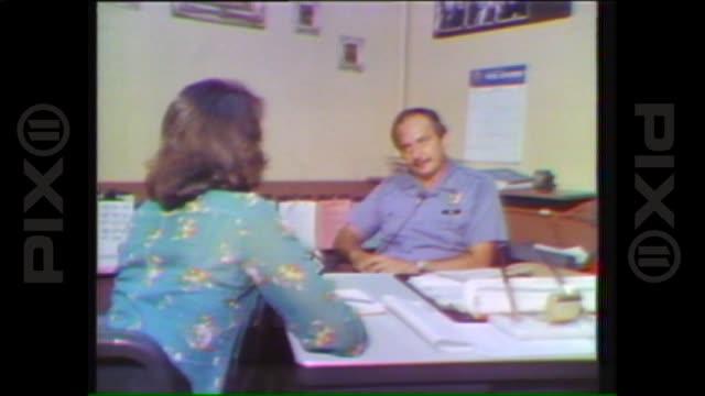 vidéos et rushes de on august 14, 1977 in new york city. - tuer