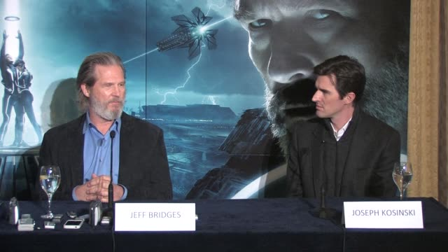 on his feeling with regard to filming with new technology as opposed to the 'classic way' at the Tron Legacy Press Conference INTERVIEW Jeff Bridges...