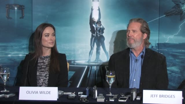 on how he feels if his 'computer version' is used after he dies as a sort of virtual actor at the Tron Legacy Press Conference INTERVIEW Jeff Bridges...