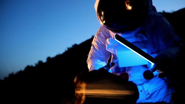 on mars - space helmet stock videos & royalty-free footage